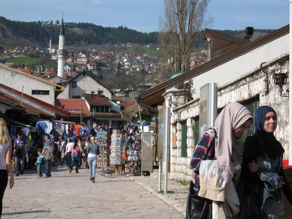 sarajevo, baščaršija, muslimanke, mlade muslimanke