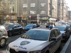 policija, policijski automobil, policija zagreb