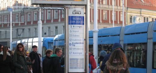 trg bana jelačića, tramvaj, stajalište tramvaja, zagreb
