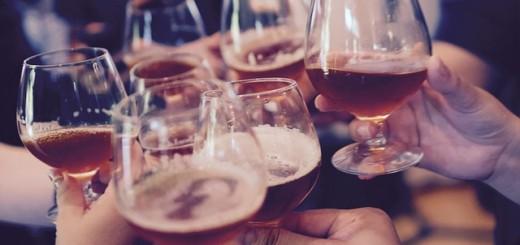 čaše, zdravica, nazdravica, piće, pijanstvo