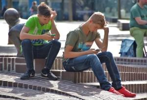 mobitel, igrice, dječaci