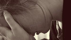plač, suze, bol, nesreća, silovanje, žena, tuga