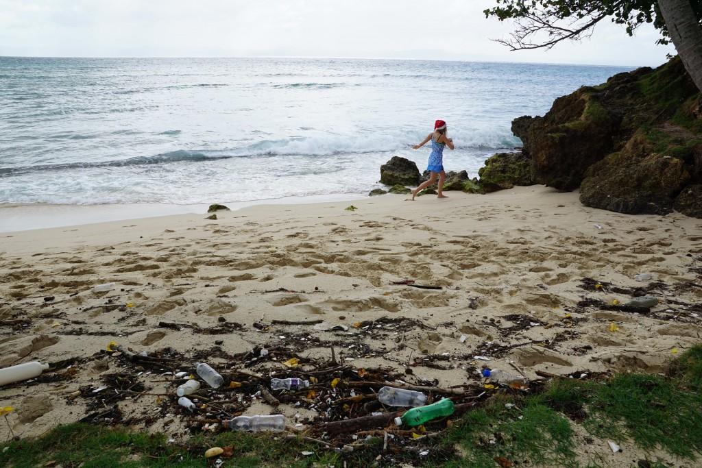 LJUDI UNIŠTAVAJU SVIJET: U moru godišnje završi 8 milijuna tona plastike – svake minute jedan kamion! 2