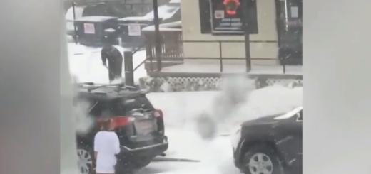 VIDEO: ZATEČENA U PRELJUBU I KAŽNJENA - U bijegu od ljubavnikove žene golišava u snijegu 1