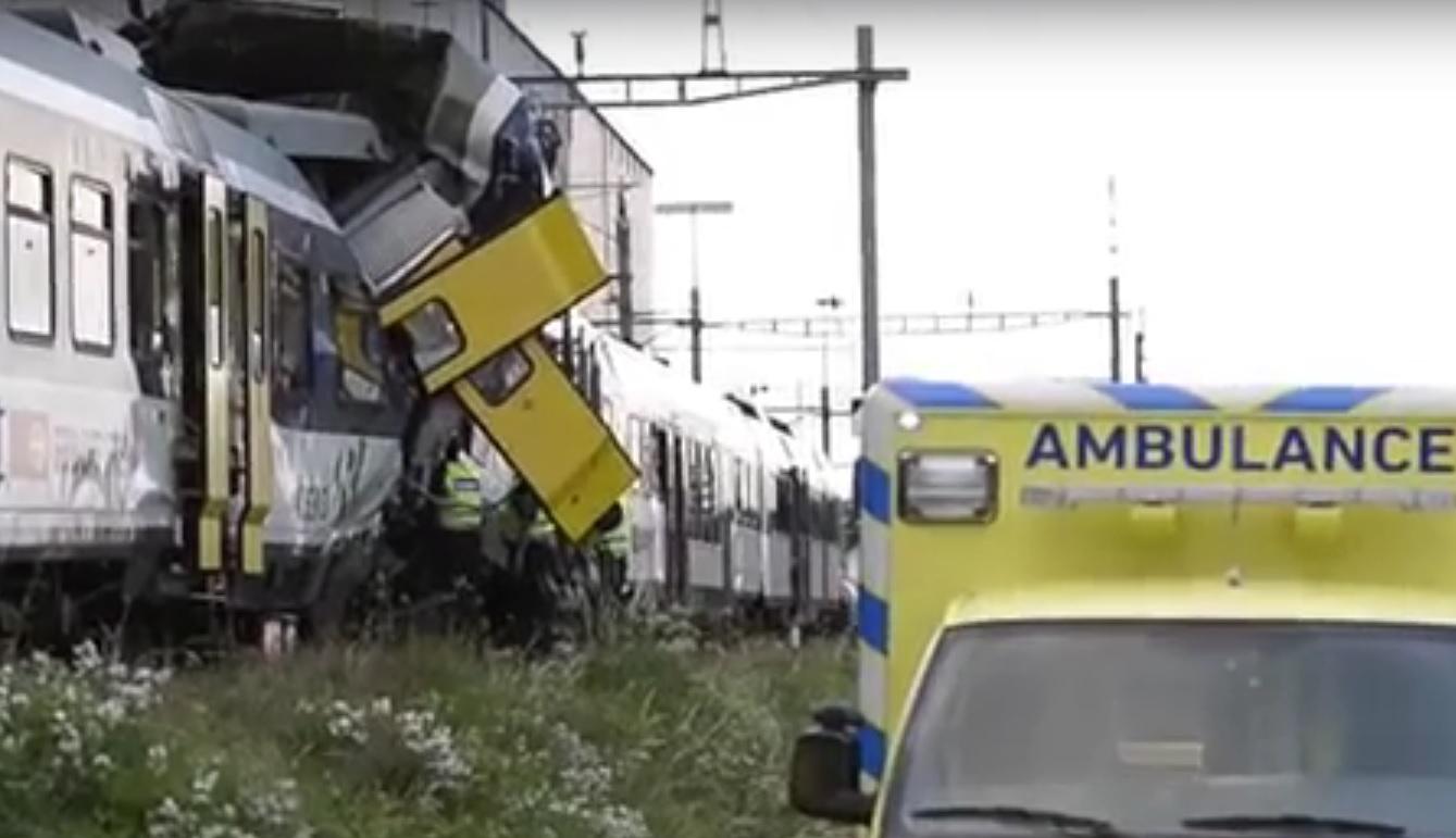 VIDEO: TEŠKA ŽELJEZNIČKA NESREĆA - Sudarila se dva vlaka - više mrtvih i oko 150 ozlijeđenih 1