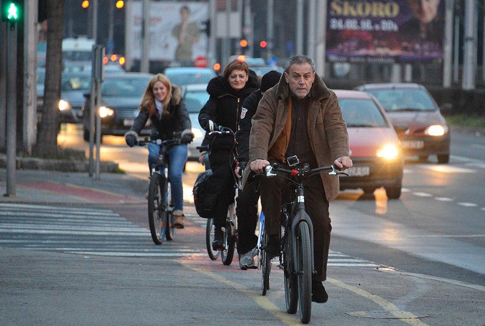 BICIKLIRANJE: Zašto je gradonačelnik Bandić išao biciklom na posao 3
