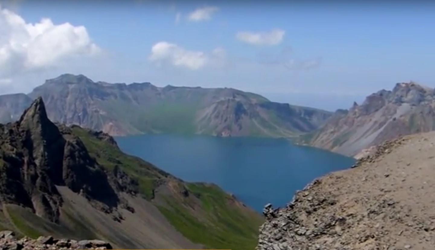 VIDEO: KATAKLIZMA - Hoće li nuklearnim probama Kim Jong-un uzdrmati opasni vulkan?!