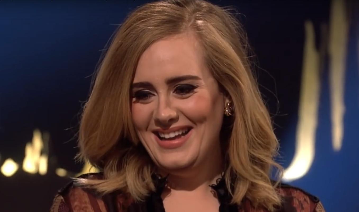 """NAJBOLJA UMJETNICA 2015: Adele prodala osam milijuna pjesme """"Hello"""" samo u Americi"""