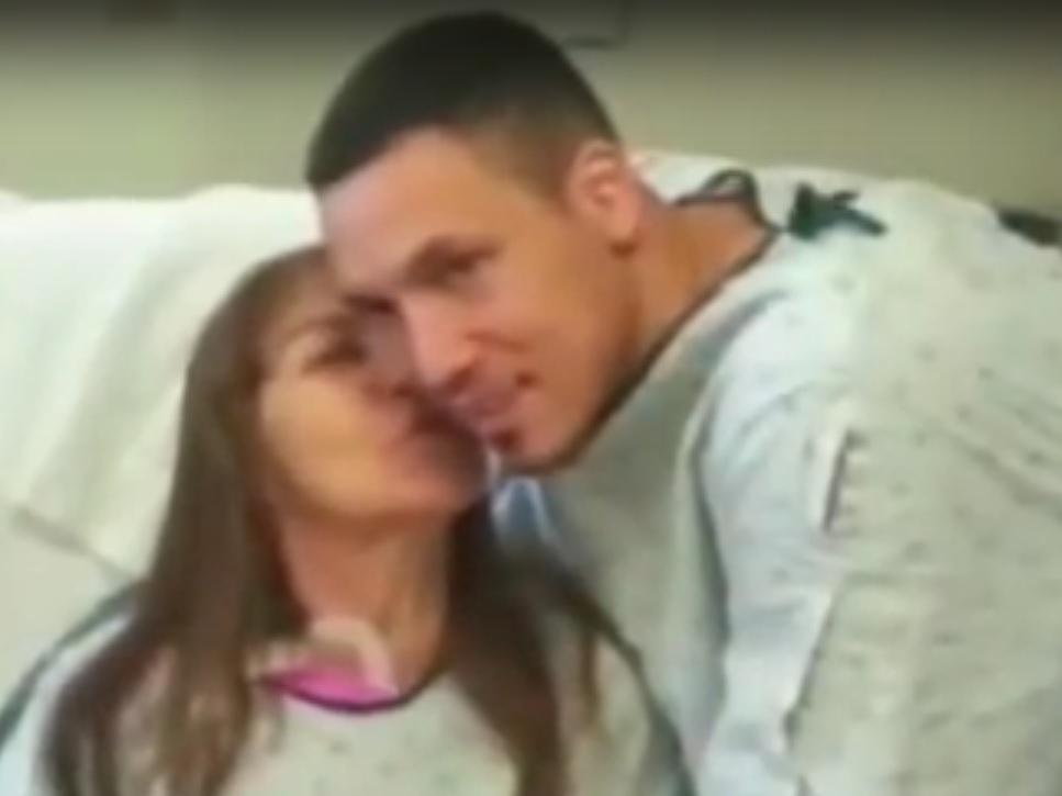 VIDEO: LJUBAV SE LJUBAVLJU VRAĆA – Usvojila ga je kao bebu, a sada joj je dao svoj bubreg 1