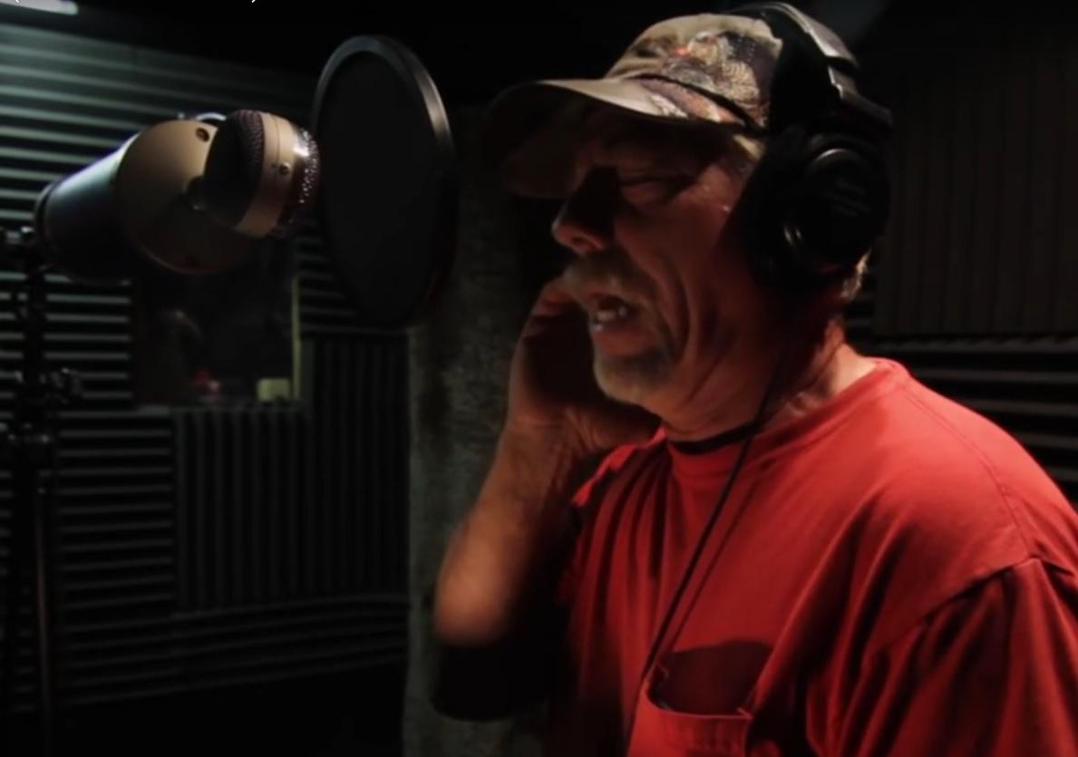 VIDEO: OSVOJIO SVIJET - Uvijek je pjevao samo kad je bio sam, a onda se dogodilo čudo