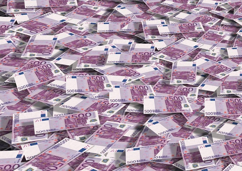 EUROPSKI DUŽNOSNICI UPOZORAVAJU: Novčanice od 500 eura silno pomažu kriminalcima i teroristima 1