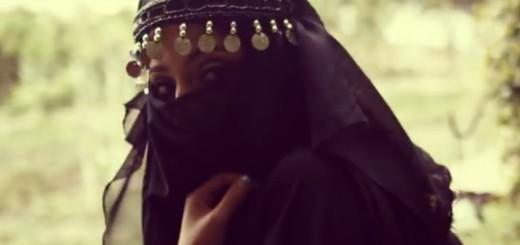 """BARBARI DIVLJAJU: ISIL sa žena otkida živo meso """"grickalicama"""" - spravama za mučenje"""