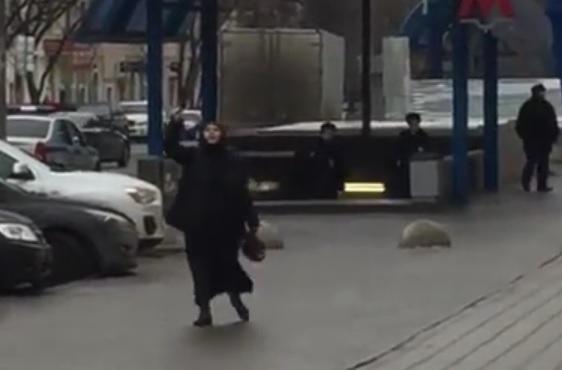 """VIDEO: HOROR U MOSKVI - Žena s odsječenom dječjom glavom u ruci vikala """"Alahu akbar"""" 1"""