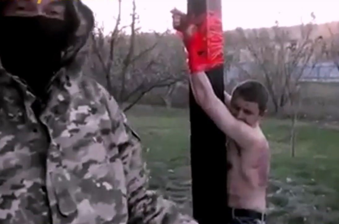 VIDEO: UZNEMIRUJUĆE - Ovako su proruski pobunjenici kaznili dilera drogom