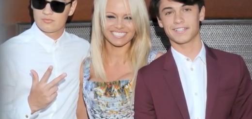 Pamela Anderson sa svojim sinovima