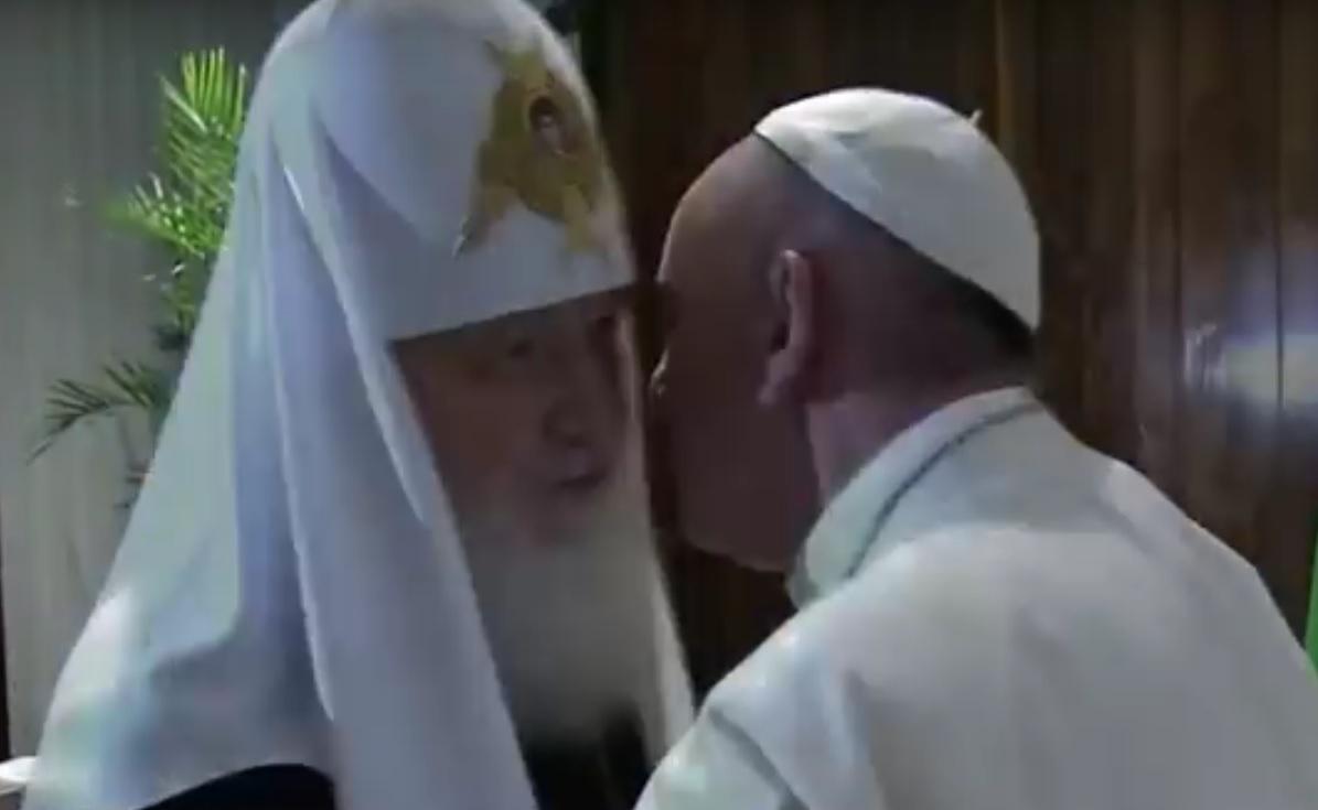 "VIDEO: POVIJESNI ZAGRLJAJ - ""Mi smo braća"" - rekao je Papa Franjo patrijarhu Kirilu 2"