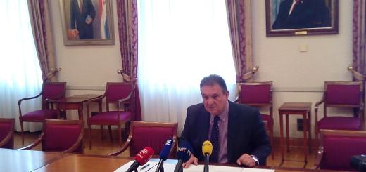 REFORMISTI: Ni Radimir Čačić neće podržati proračun - zašto