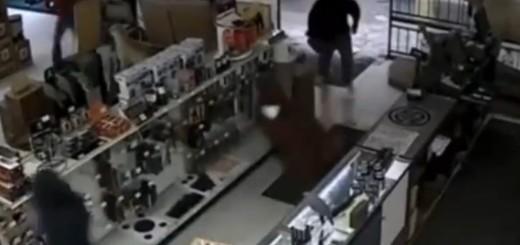 VIDEO: SPEKTAKULARNO - Pogledajte što je sve njih 10 opljačkalo za minutu i 11 sekundi
