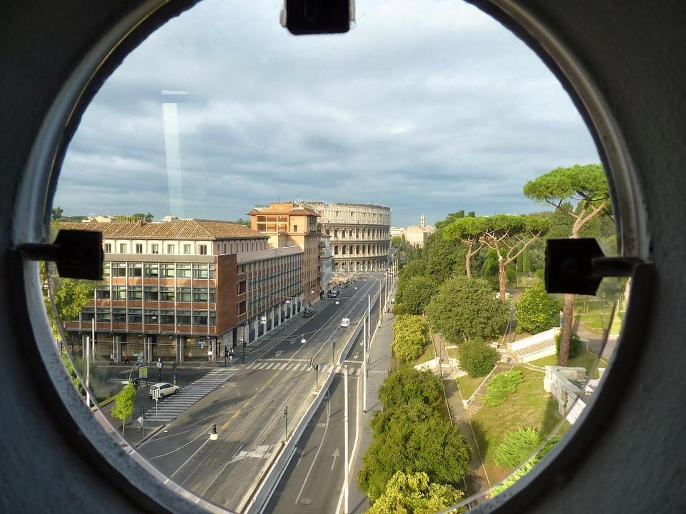 JAKE MJERE SIGURNOSTI: Koloseum pod opsadom specijalnih postrojbi zbog procesije