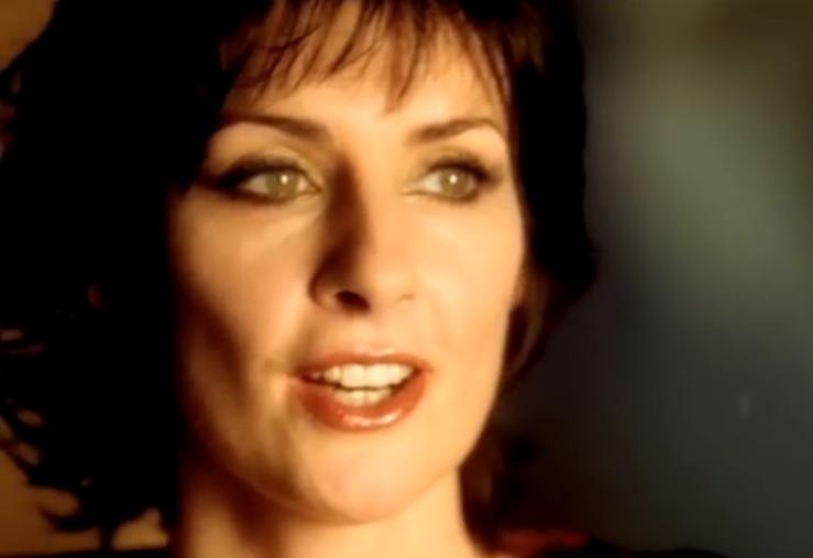 VIDEO: ASTRONOMSKE ZARADE - Zarađuje više od zvijezde Adele - ona je samozatajna Enya