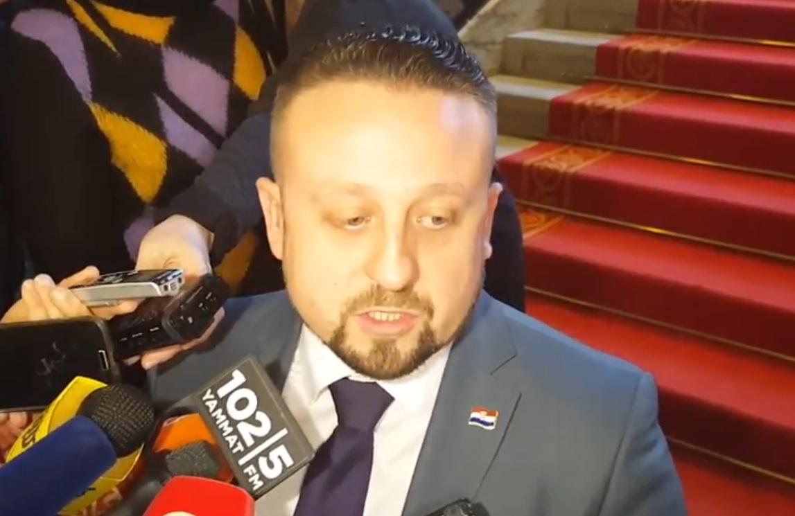 OGLASILI SE PRIOPĆENJEM: Zašto je HSP AS Ivana Tepeša protiv Pusić, Oreškovića i Mesića?