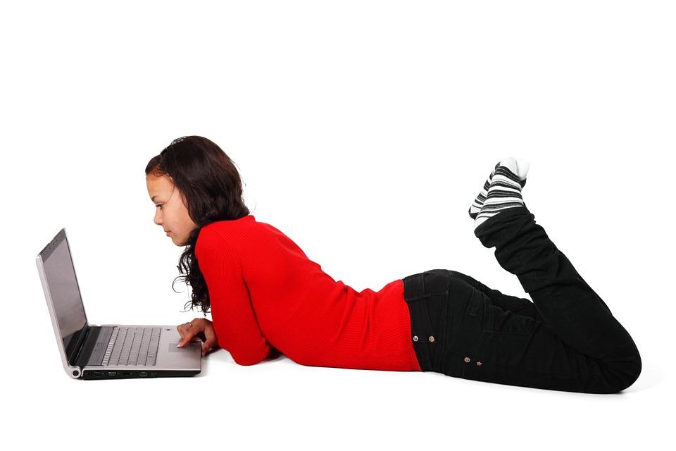 """ALARMANTNO ISTRAŽIVANJE: Što se događa s ljudima koji """"vise"""" na društvenim mrežama?"""