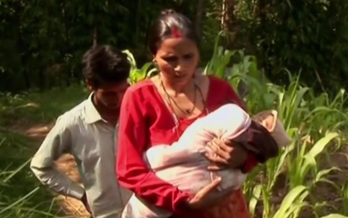 """VIDEO: NIJE """"BOŽANSKO DIJETE"""" - Rođena beba s osam udova - liječnici ju spasili"""
