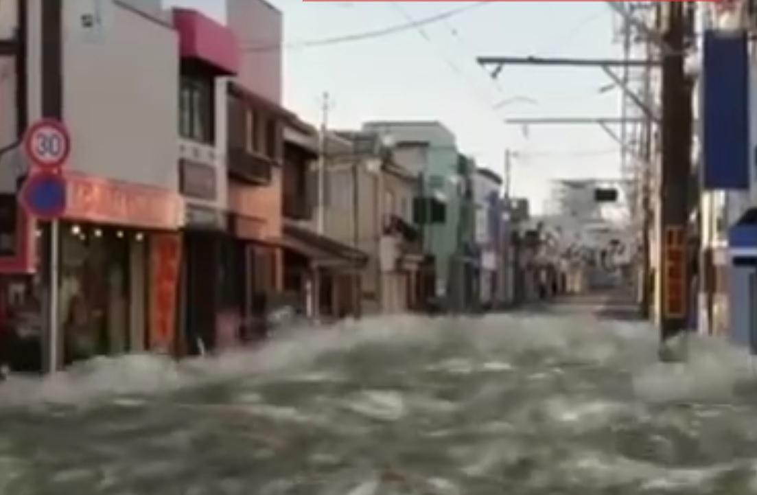 VIDEO: ZASTRAŠUJUĆE - Pogledajte kakvom razornom snagom prijeti tsunami!