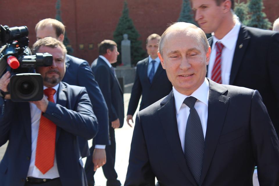 """VIDEO: DOKUMENTI OTKRIVAJU - Kako preko """"offshore"""" kompanija skrivaju novac Putin i drugi moćnici 1"""