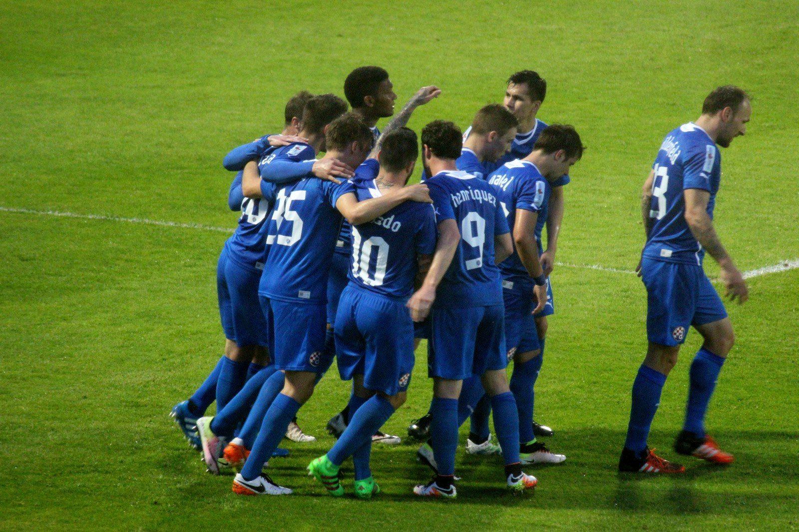 GODINE IDU A NIŠTA SE NE MIJENJA: Dinamo slavi novi naslov prvaka Hrvatske!