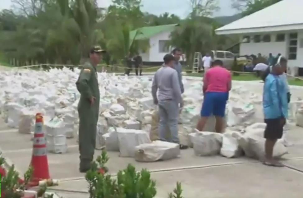 VIDEO: VELIKI ULOV POLICIJE - Čak osam tona droge skriveno među bananama
