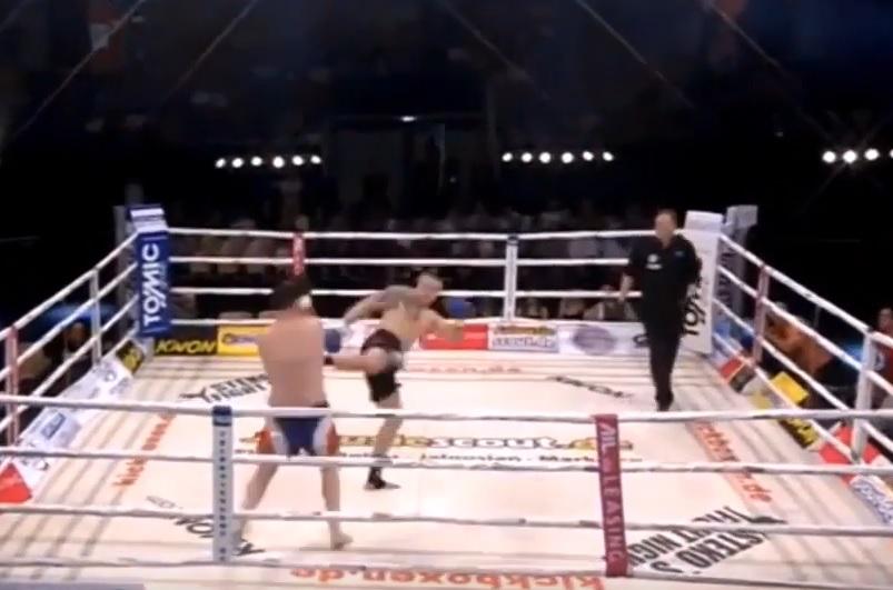 """VIDEO: """"NAJ"""" NOKAUT - Oborio ga za tri sekunde, čim je sudac dao znak"""