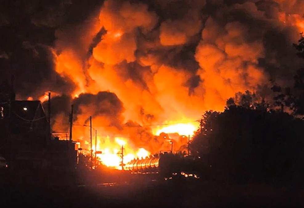 VIDEO: POŽAR U KANADI DIVLJA - Vatra napala grad - progutala oko 1.600 zgrada