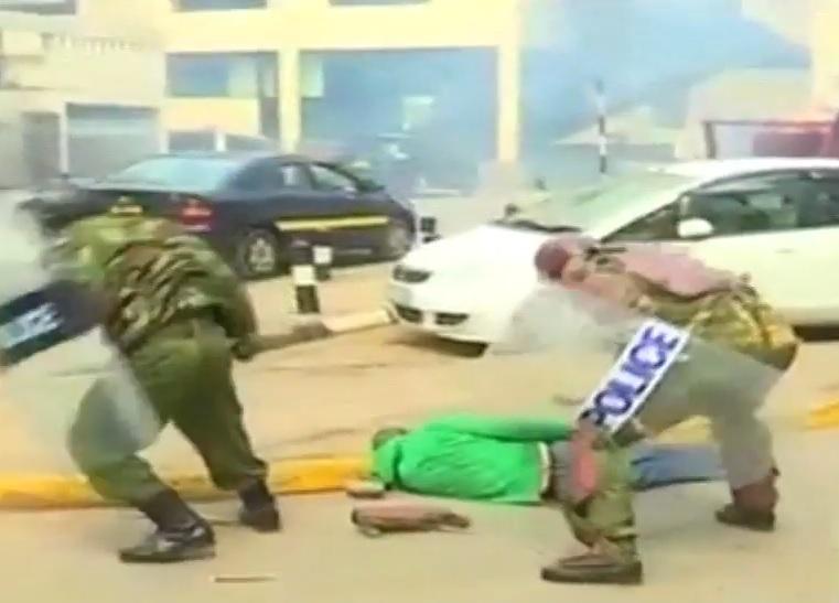 VIDEO: BRUTALNOST POLICIJE - U krvavom obračunu mnogi građani dobili batine