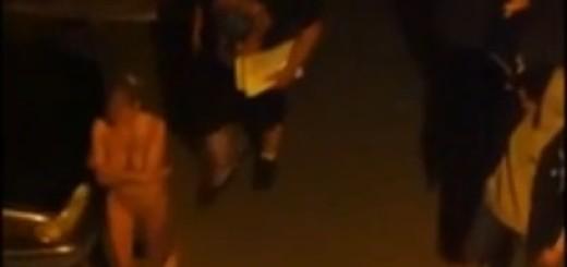 VIDEO: NESVAKIDAŠNJE - Nakon policijske racije prostitutke gole na ulici