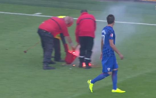 UEFA SPREMA SANKCIJE: Zbog divljaka s hrvatskim obilježjima prijeti nam oštra kazna 1