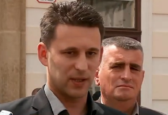 BOŽO PETROV: Ili ova Vlada s Oreškovićem, bez Karamarka - ili neka HDZ pokaže da imaju 76 ruku