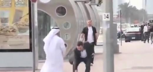 """VIDEO: AKCIJA - Mladić je u Dubaiju 45 puta """"izgubio"""" novčanik - pogledajte koliko mu je puta vraćen"""