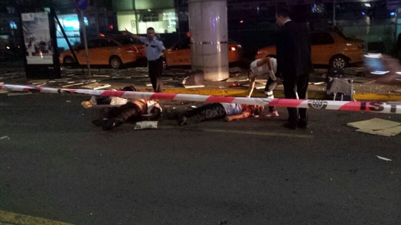 VIDEO: TERORIZAM U ISTANBULU - Eksplozije u zračnoj luci Ataturk - broj mrtvih 41 i 239 ranjenih 2