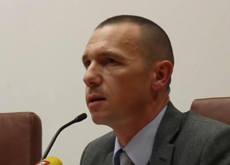 """KRUNOSLAV BOROVEC: Krenuo """"lov"""" na krivce za nerede - neki već uhićeni, a obavješteni i granični prijelazi"""