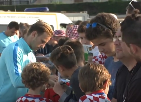 VIDEO: VATRENI OPUŠTENO - Pogledajte kako uživaju naši nogometaši u slobodno vrijeme