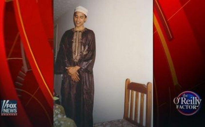 """DO SADA NEVIĐENO: Fotografije Obame u muslimanskoj nošnji osvanule na """"Fox"""" televiziji 1"""