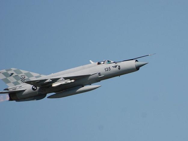 DOJAVA O BOMBI: Hrvatski MIG-ovi prepratili putnički Boing 747