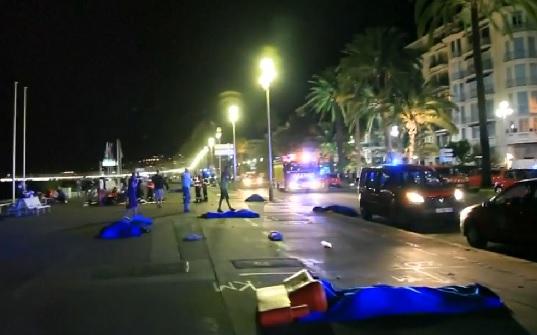 VIDEO: UŽAS U NICI - Terorist se zaletio kamionom i ubio najmanje 84 ljudi