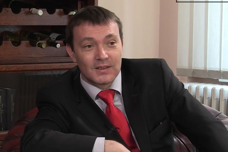 LAŽNA PREBIVALIŠTA I ĆIRILICA: Ispada da je Karamarko otišao, a ostali su Karamarkići - tvrdi Bauk