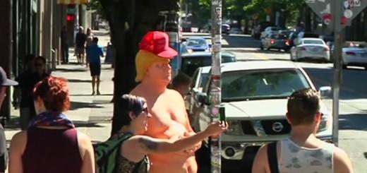 VIDEO: VESELJE ZA GRAĐANE - Razgolićeni Donald Trump na ulicama američkih gradova