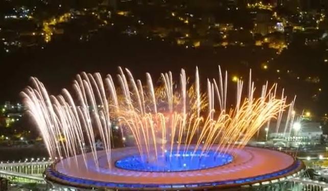 VIDEO: OTVORENE IGRE U RIJU - Olimpijski plamen zapalio maratonac Cordeiro de Lima
