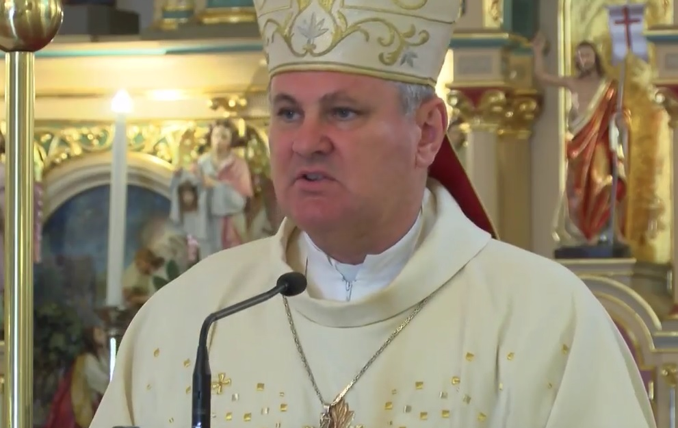 HSP AS U OBRANI BISKUPA: Zločinačkom petokrakom prijeti se moralnoj vertikali mons. Vladi Košiću