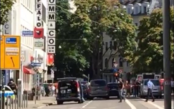 """VIDEO: ZAVRŠILA DRAMA - Zeta vlasnice restorana """"Dubrovnik"""" svladali specijalci 2"""