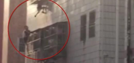 VIDEO: KAO SPIDER-MAN - Pogledajte kako se spasitelj penjao uz zgradu da bi spasio dječaka